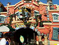 "Outdoor facade of ""Roger Rabbit's Car Toon Spin"" at Disneyland (2006).jpg"
