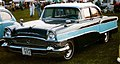 Packard Clipper Custom 4-Door Sedan 1956.jpg