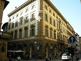 Palazzo Viviani della Robbia, Florence