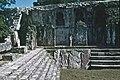 Palenque-08-Palastgruppe-Innenhof-Ecke-1980-gje.jpg