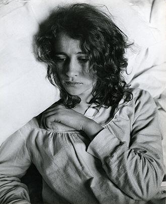 Convalescence - A convalescent woman. Photo by Paolo Monti.