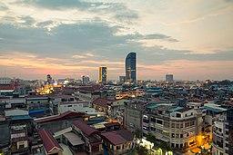 Kvällsvy over central Phnom Penh, januar 2015.