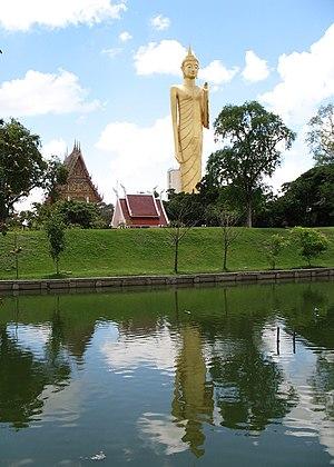 Roi Et Province - Phra Phuttharattanamongkhon Maha Muni or Luang Pho Yai, Wat Burapha Phiram (Wat Hua Ro)