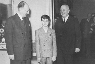 Piero Gamba - The 12-year-old conductor during his visit to Finland in 1949, with Toivo Haapanen to the left and Leo Funtek to the right.
