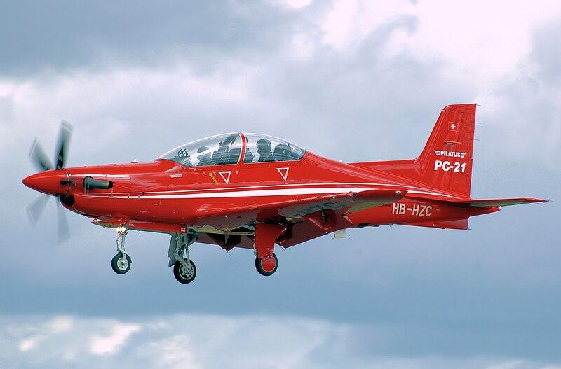 File:Pilatus pc-21 hb-hzc lands arp.jpg