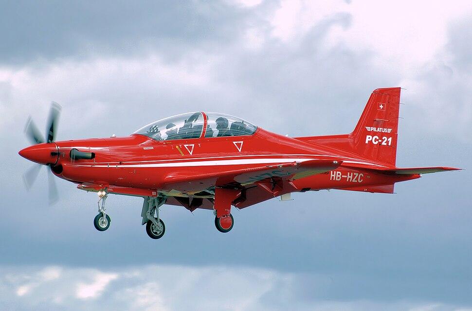 Pilatus pc-21 hb-hzc lands arp