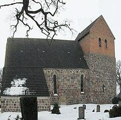 Pinnow, Kirche.jpg