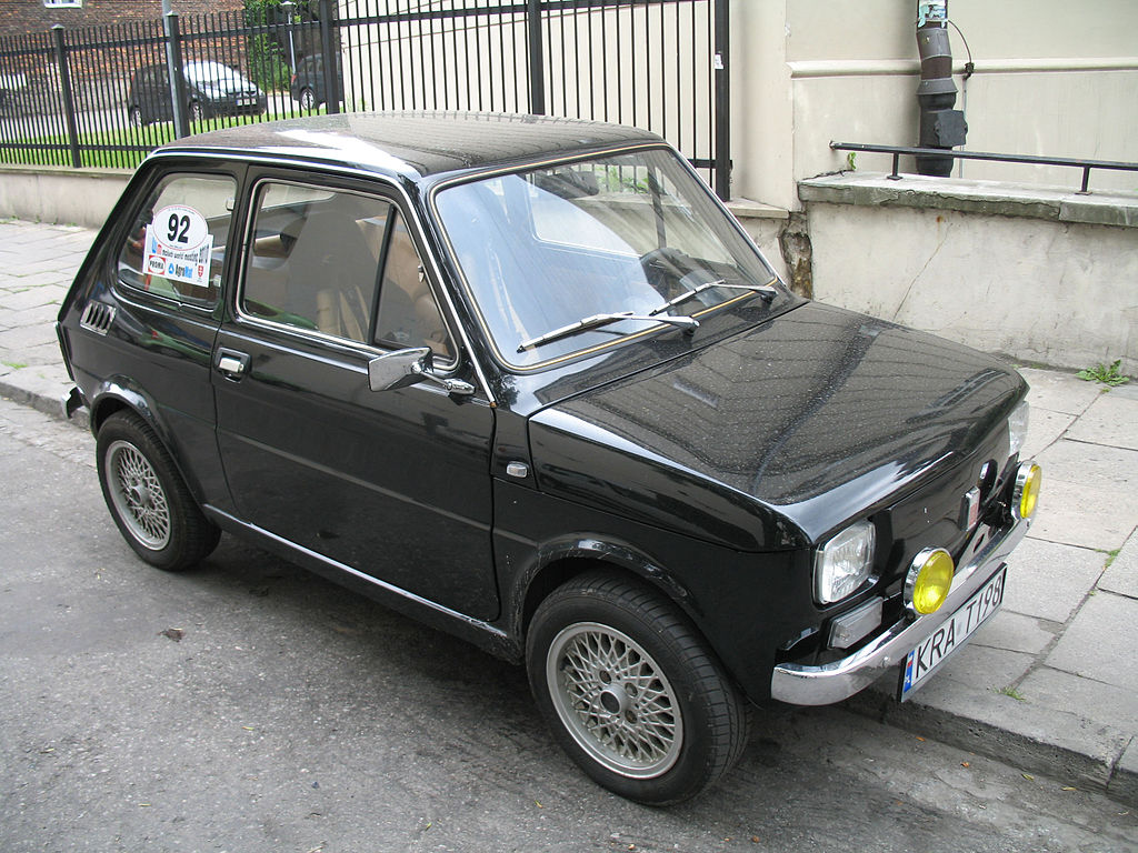 file polski fiat 126p in krak w mwm 2010 jpg wikimedia commons. Black Bedroom Furniture Sets. Home Design Ideas