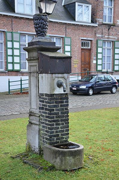 Pomp op dorpsplein Zandhoven