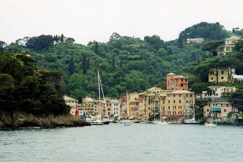 File:Portofino from the sea.jpg