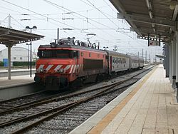Portuguese Railways Intercity train at Faro Train Station.jpg
