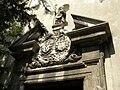 Pravoslávny Chrám svätého Mikuláša, Mikulášska ulica, Bratislava – socha svätého Mikuláša a erb Pálffyovcov.jpg