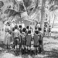 Prins Bernhard op bezoek bij de Arubaanse padvinders op Palm Beach, Bestanddeelnr 252-3902.jpg
