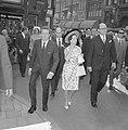 Prinses Margaret en Lord Snowdon winkelen in Leidsestraat, tijdens het winkelen, Bestanddeelnr 917-7735.jpg