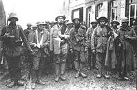 Ingleses e portugueses, feitos prisioneiros em La Lys (região da Flandres) pelos alemães em 1918.