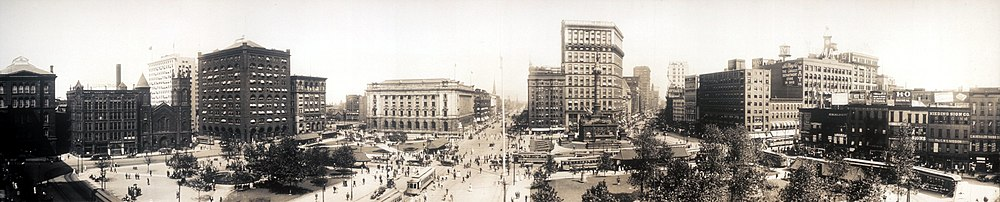Panorama of Cleveland's Public Square in 1912.