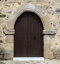 Puerta lateral Iglesia Parroquial de Trujillanos (Badajoz).jpg