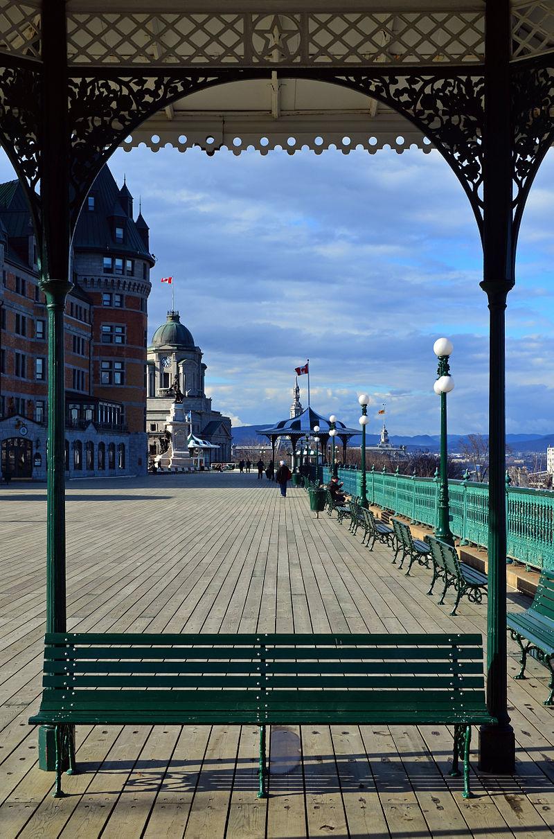La terrasse Dufferin, belvédère de la Haute-Ville, à Québec.  (définition réelle 3237×4901)