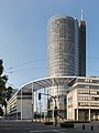 RWE Tower Essen 2014.jpg