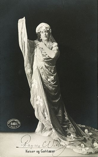 Emperor and Galilean - Ragna Wettergreen as Helena in the play's Oslo premiere (1903)
