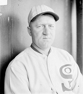 Red Faber in the dugout, 1929.jpg