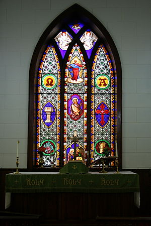 Church of the Redeemer (Cannon Falls, Minnesota) - Image: Redeemer Window Altar