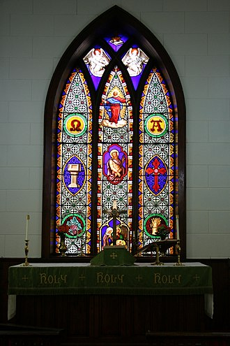 Church of the Redeemer (Cannon Falls, Minnesota) - Image: Redeemer Window Altar