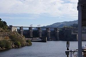 Carrapatelo Dam - Image: Rio Douro em Portugal DSC01036 (15687570676)