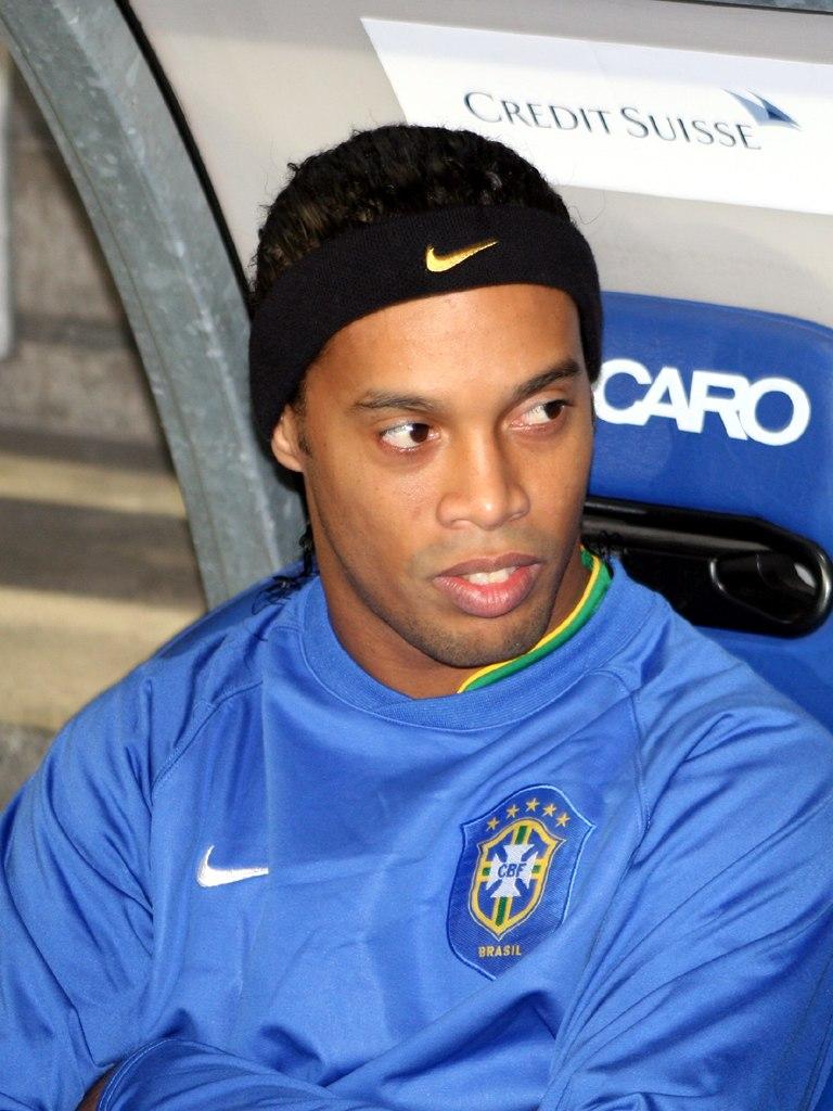 Ronaldinho061115-01