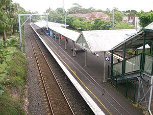 Roseville railway station, Sydney - Northbound view in December 2011