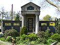 Ruhestätte Bauer Hauptfriedhof Freiburg - Übersicht.jpg