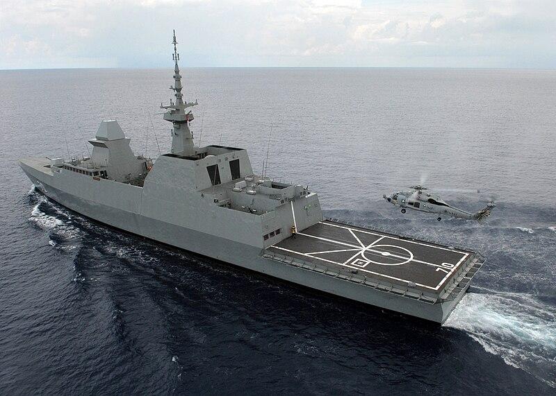 800px-SH-60B_Seahawk_lands_aboard_the_RSS_Steadfast_%28FFG_70%29.jpg