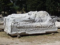 Salona - ancient tomb.JPG