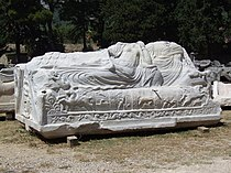 Salona - ancient tomb.JPG