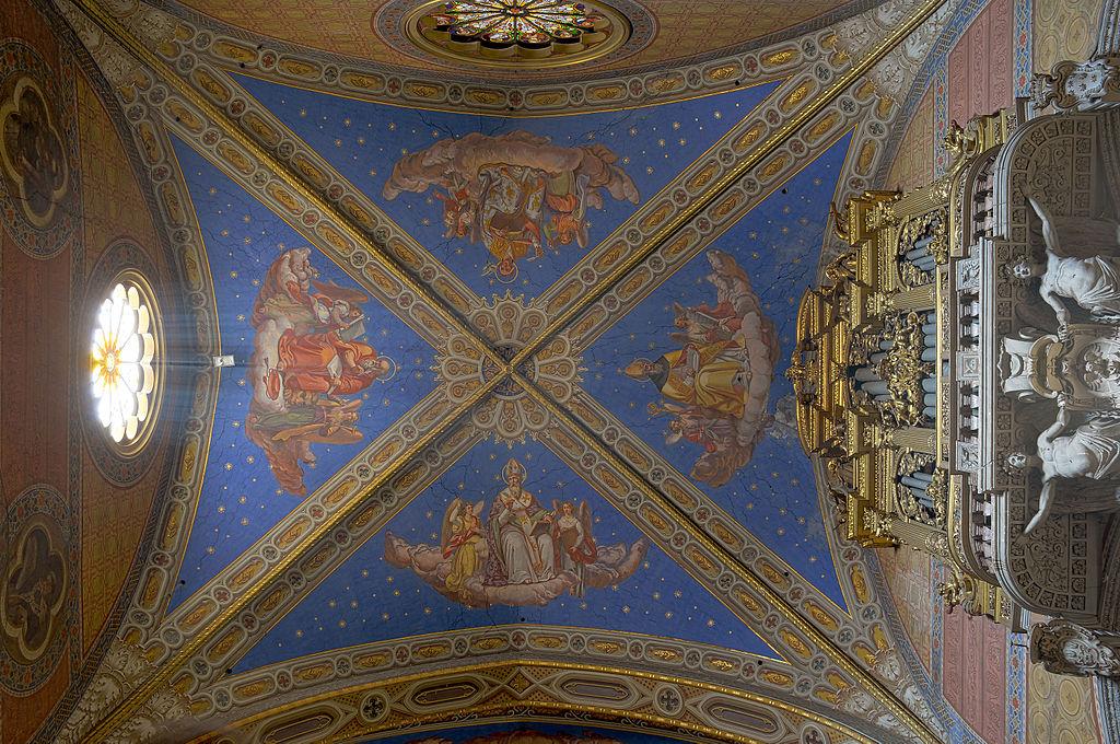 Santa Maria sopra Minerva (Rom) - tredje Tak HDR.jpg