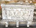 Sarcofago 38 con caccia al cinghiale calidonio con coniugi su coperchio (fine del III sec.), 01.JPG