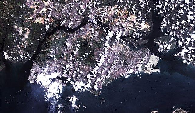File:Satellite image of Singapore (Landsat 7) - 20000428 ...