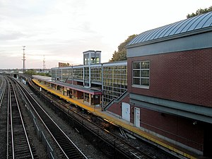 Savin Hill (MBTA station) - Savin Hill platform and glass headhouse in November 2015