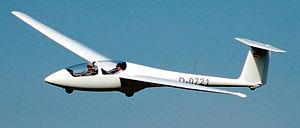 Papercraft del avión Alexander Schleicher ASK-21. Manualidades a Raudales.