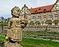 Schloss Weikersheim, Zwergengalerie im Schlossgarten. 03.jpg