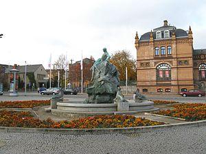 Schwerin Hauptbahnhof - Fountain in front of the station