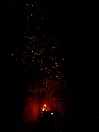 Agra Fort - Sheesh Mahal, siya:The effect produced by lighting candles in Sheesh Mahal, Agra Fort.