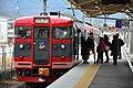 Shinano Railway 115 series at Sakaki Station (33672771388).jpg