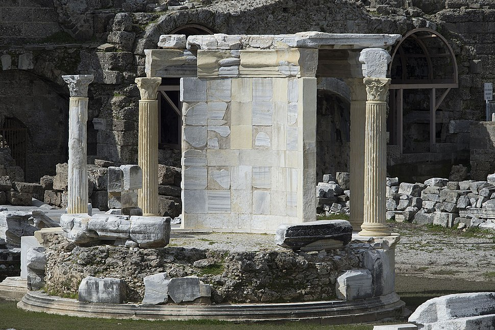 Side Tyche temple on agora 6140