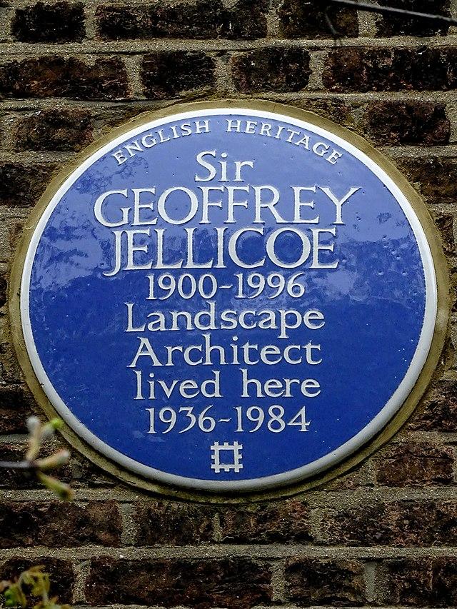Photo of Geoffrey Jellicoe blue plaque