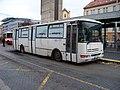 Smíchovské nádraží, mafiánský autobus.jpg