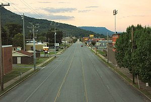 South Pittsburg, Tennessee - Cedar Avenue (US-72) in South Pittsburg