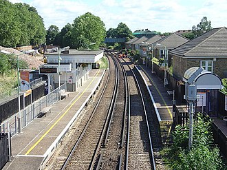 South Acton railway station (England) - Image: South Acton Station geograph.org.uk 899052