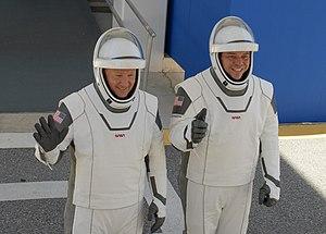 Les deux astronautes équipés de leur combinaison le 23 mai.