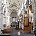 St. Kunibert Köln - Langhaus Richtung Osten.jpg
